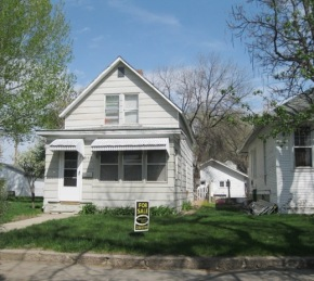 PRICE DROP! $50,000 – 612 Knight Street