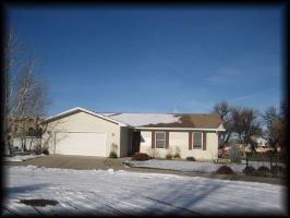NEW LISTING-$189,900- 41 REMOUNT ROAD