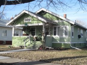 NEW LISTING! $105,000 – 119 N Custer Ave