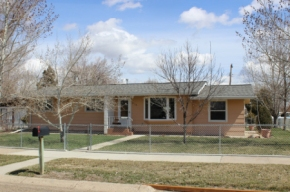 NEW LISTING! 916 SO. CALE $199,500